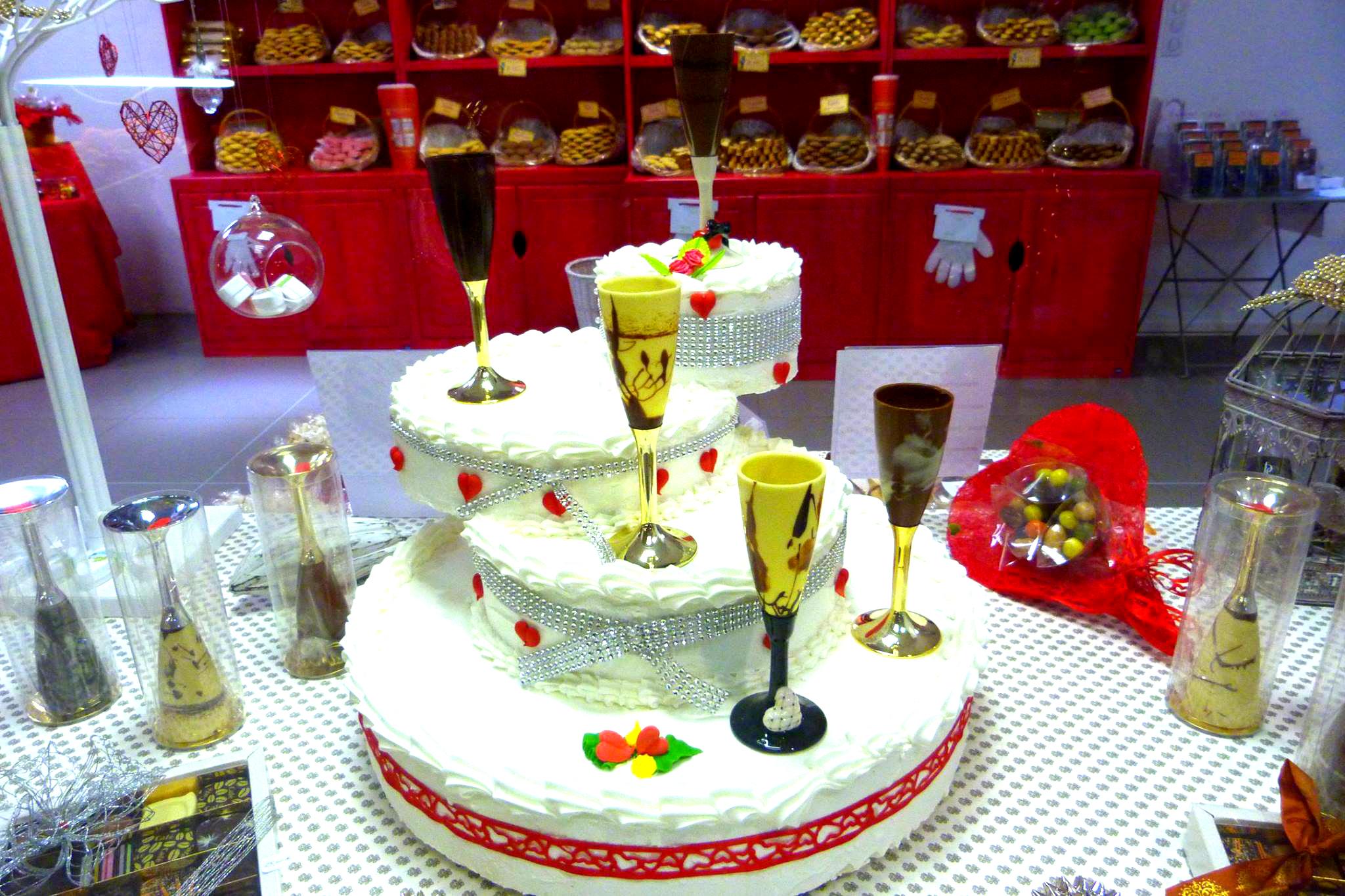gâteau et flûte en chocolat